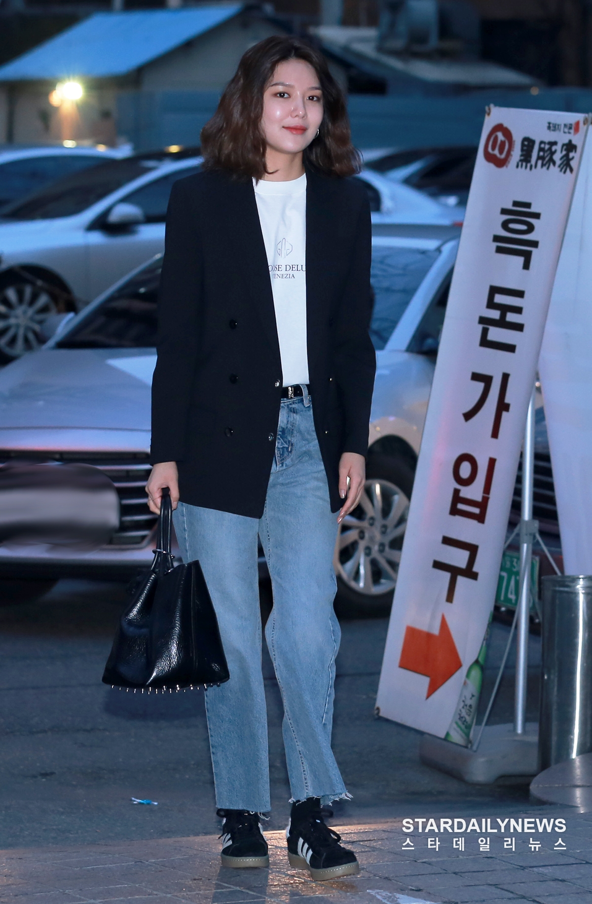 Index of /data/soshi/pictures/sooyoung/public/180309-man-who-sets