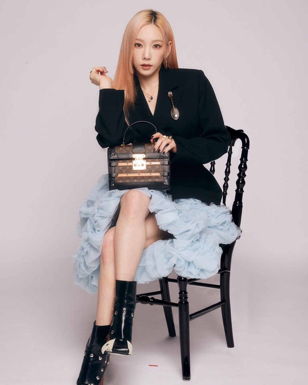 Taeyeon – Louis Vuitton Promotional Pictures